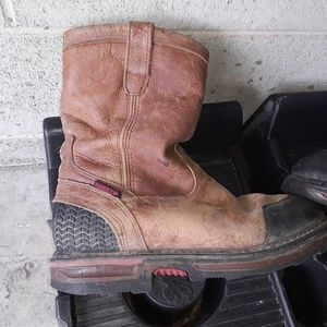ROCKY Shoes - A good pair of ROCKY BOOTS SIZE 9.5 FOR MEN
